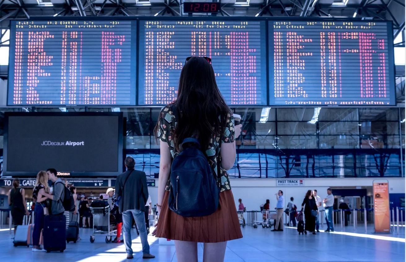Aeropuerto horarios vuelos y viajes en avion