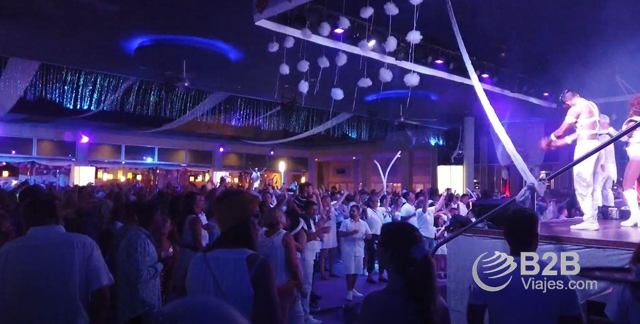 animación nocturna del hotel Riu lupita Riviera Maya ofertas b2bviajes