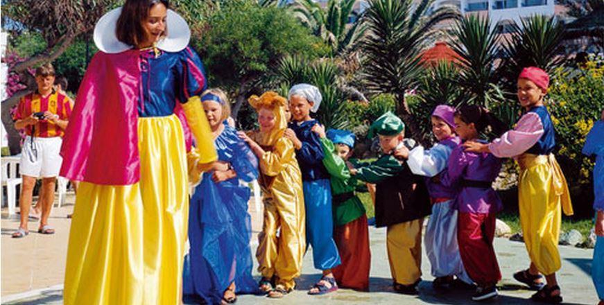 juegos infantiles en hotel playasol roquetas vacaciones singles hijos