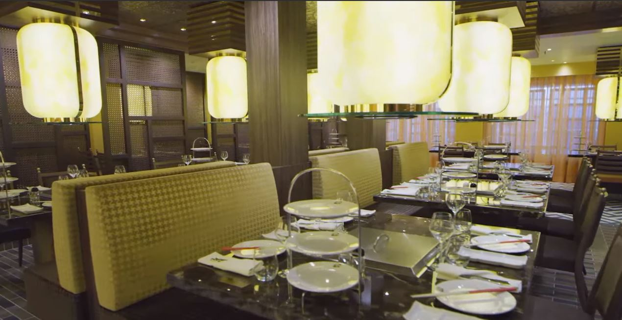 Restaurante en Barco Costa Firenze para Crucero Ochentero viajes para solteros