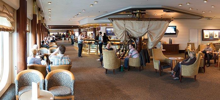 Barco Sovereigm Restaurantes Bares y Lounge
