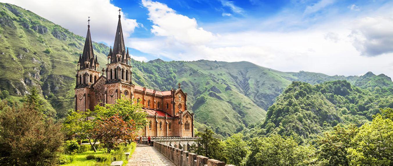 Circuito Cantabria y Asturias visita al monasterio de Covadonga