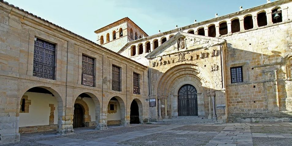 Circuito Asturias y Cantabria visita Santillana del Mar