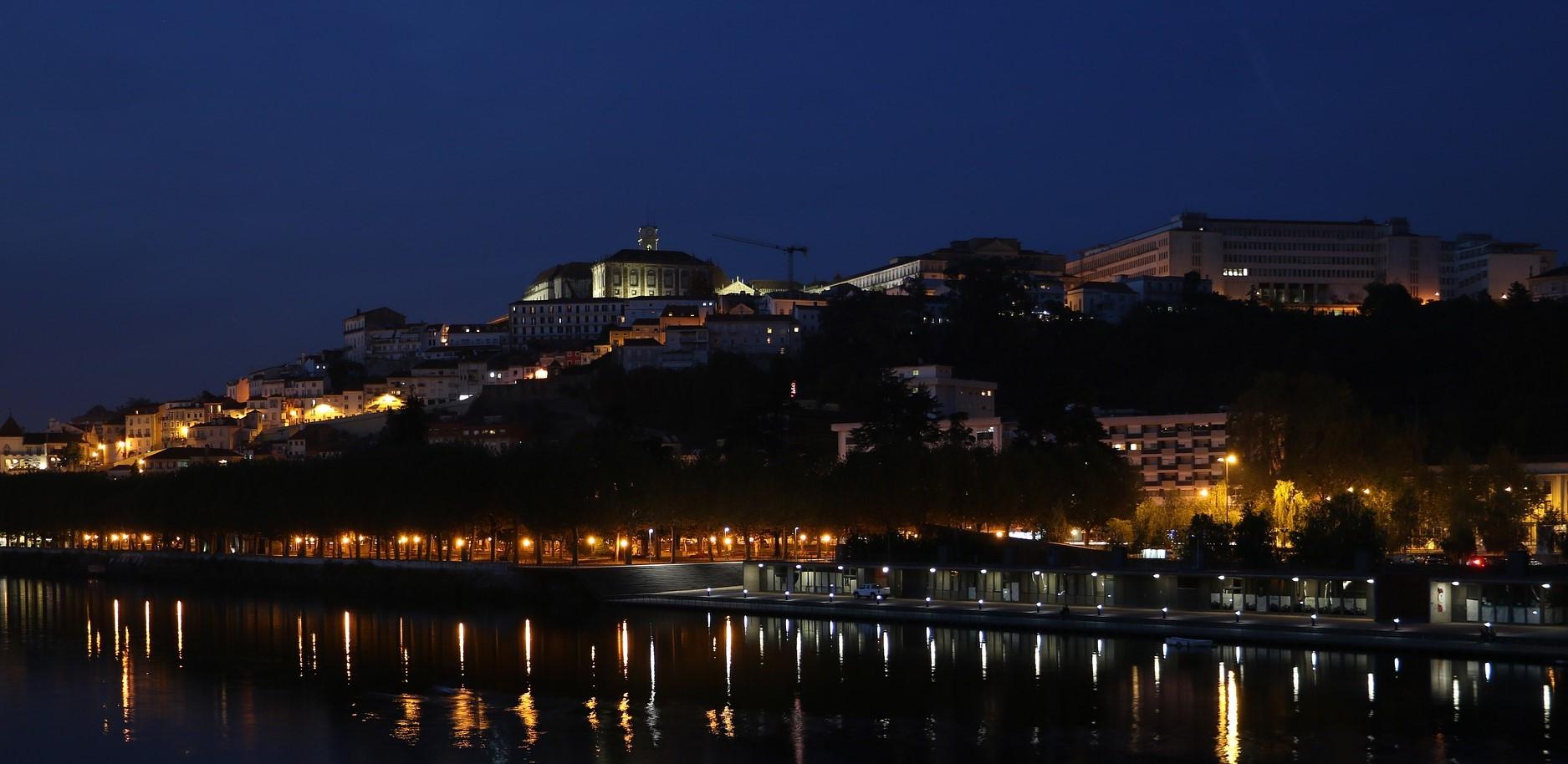 Coimbra de noche vida nocturna Circuito Portugal B2Bviajes