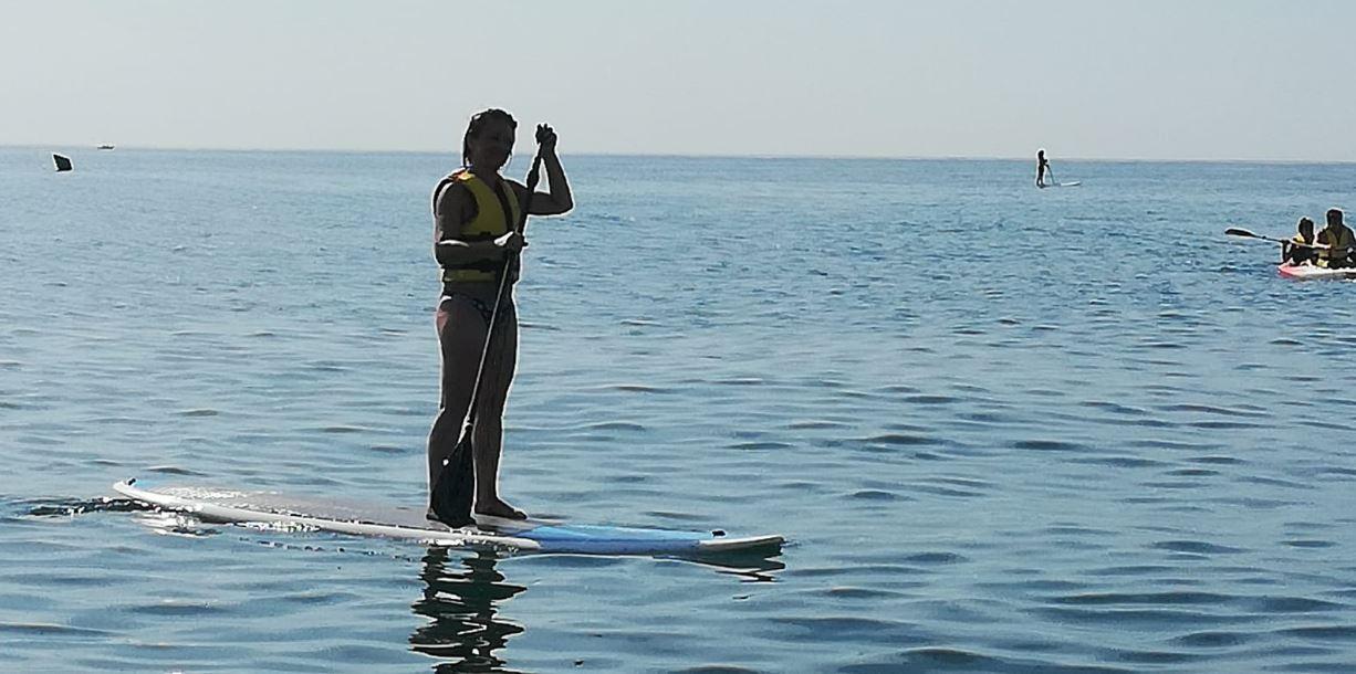 Actividad Padel Surf en Pineda de Mar B2Bviajes grupos Vacaciones Singles