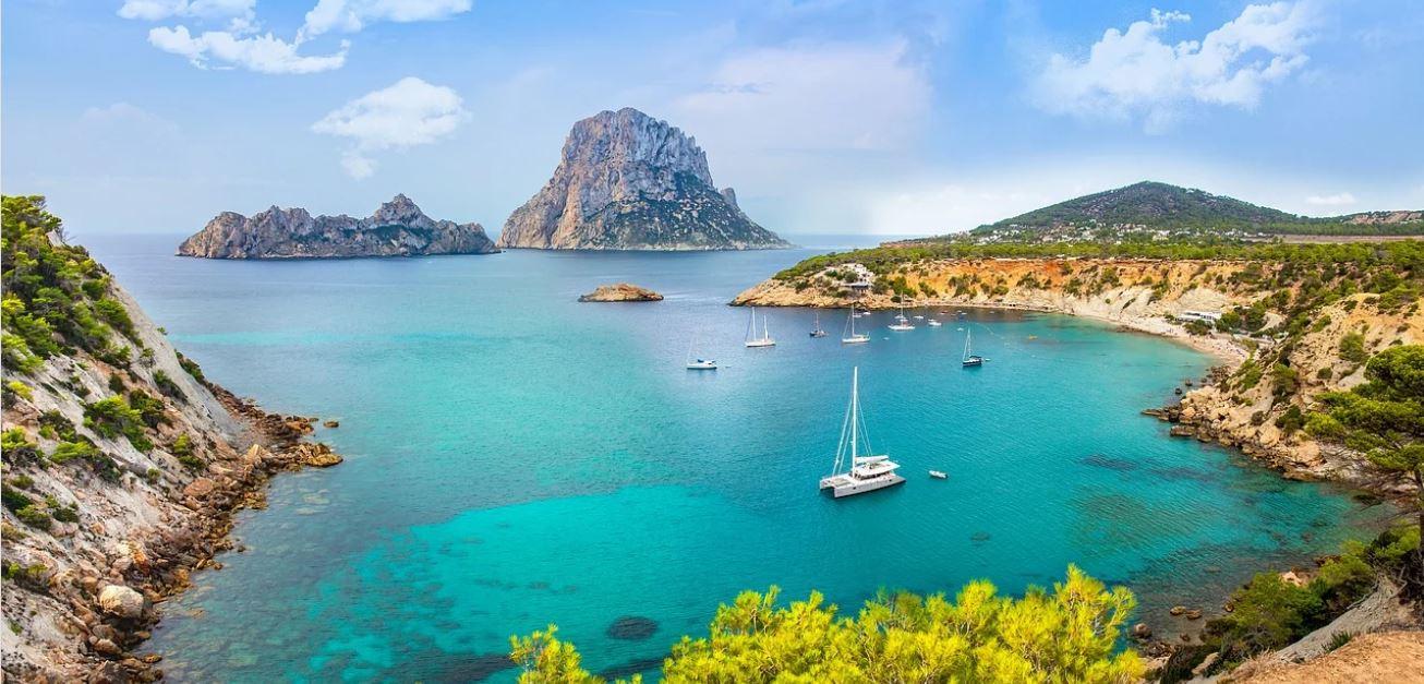 Es vedra Ibiza Islas Baleares Viajes en Velero Vacaciones Singles