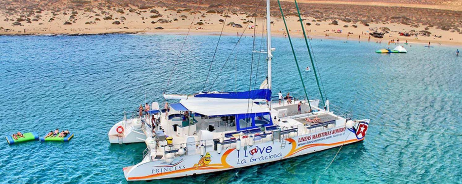 Excursion en Catamaran a Isla Graciosa desde Lanzarote