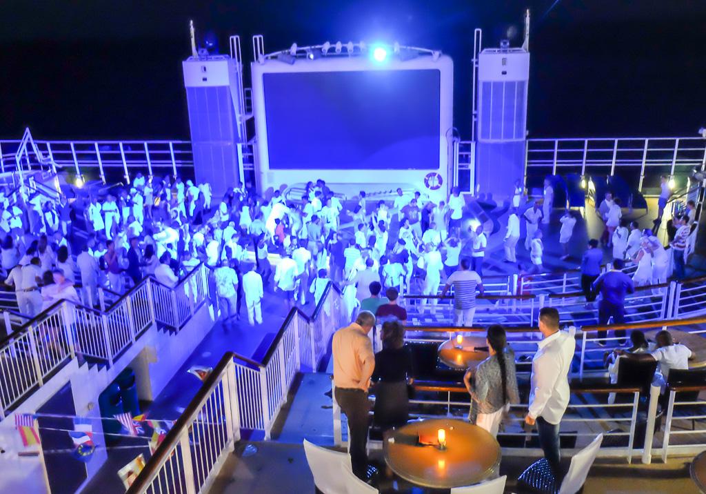 Fiesta en el Crucero EPIC Single Jóvenes