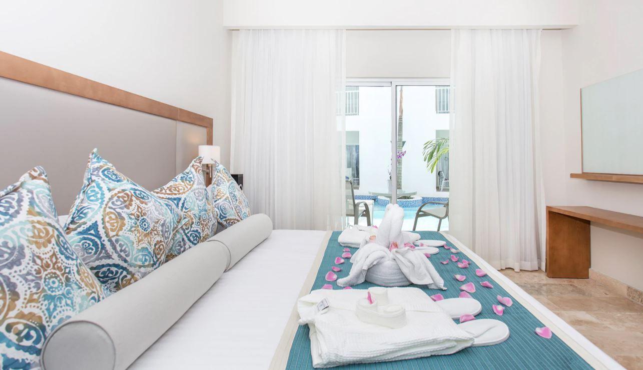 Habitacion doble Superior Deluxe Swin Up con acceso directo a la piscina en hotel Be Live Punta Cana
