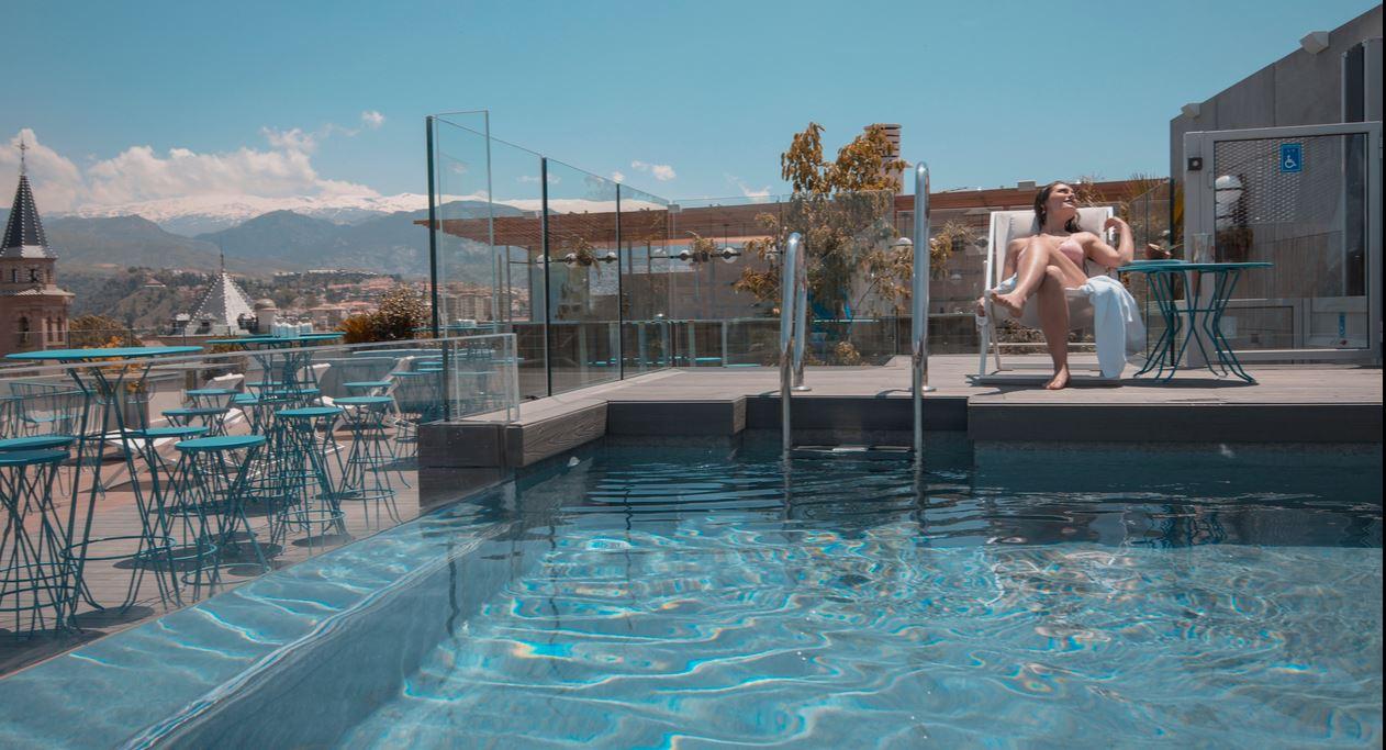 Piscina Hotel Barcelo Carmen Granada Oferta fin de semana
