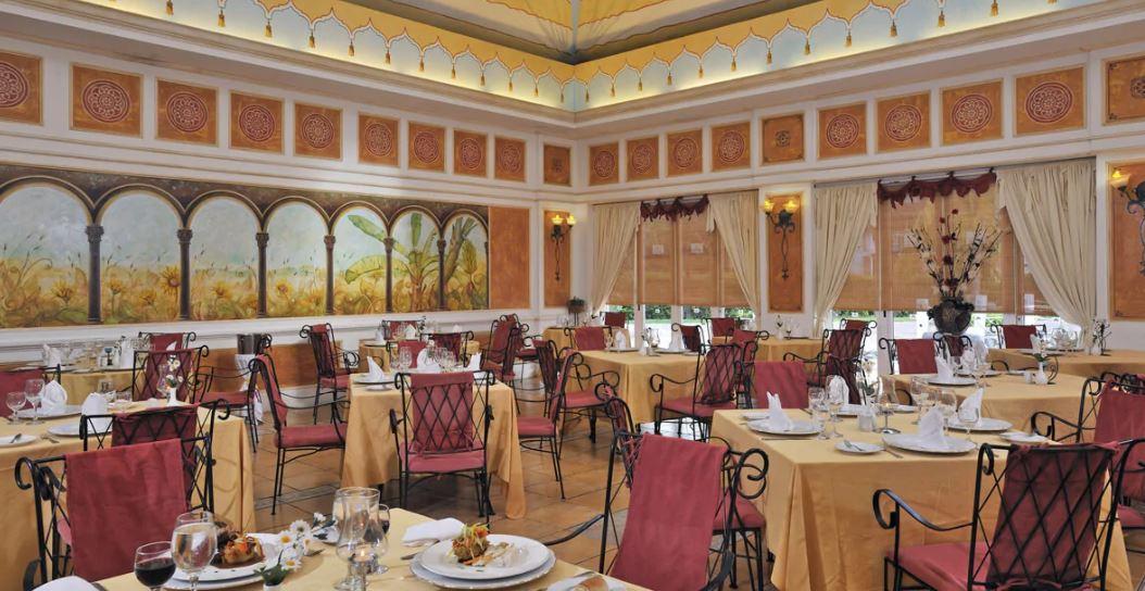 Restaurante del Hotel Melia Peninsula Varadero Cuba B2Bviajes