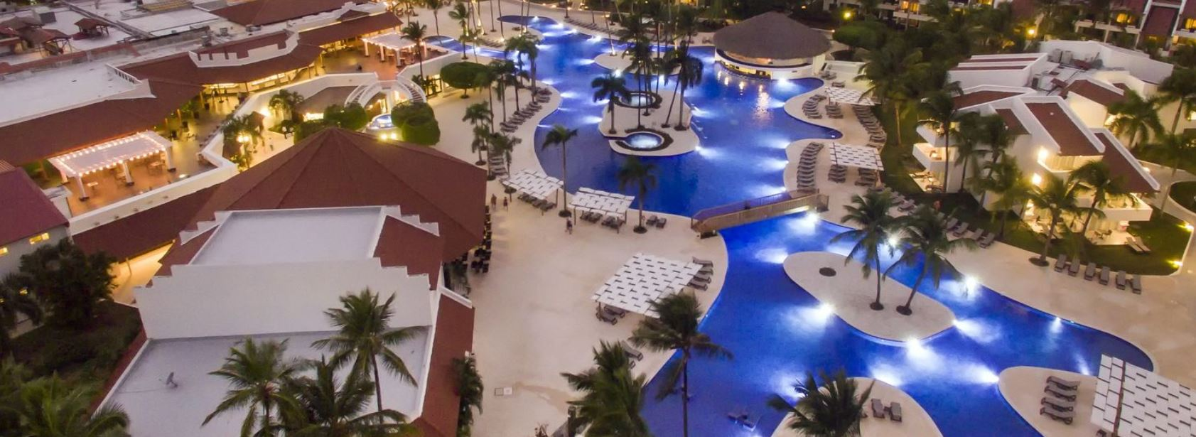 hotel_occidental_barcelo_punta_cana_piscinas_y_bares_b2bviajes.jpg?profile=RESIZE_710x