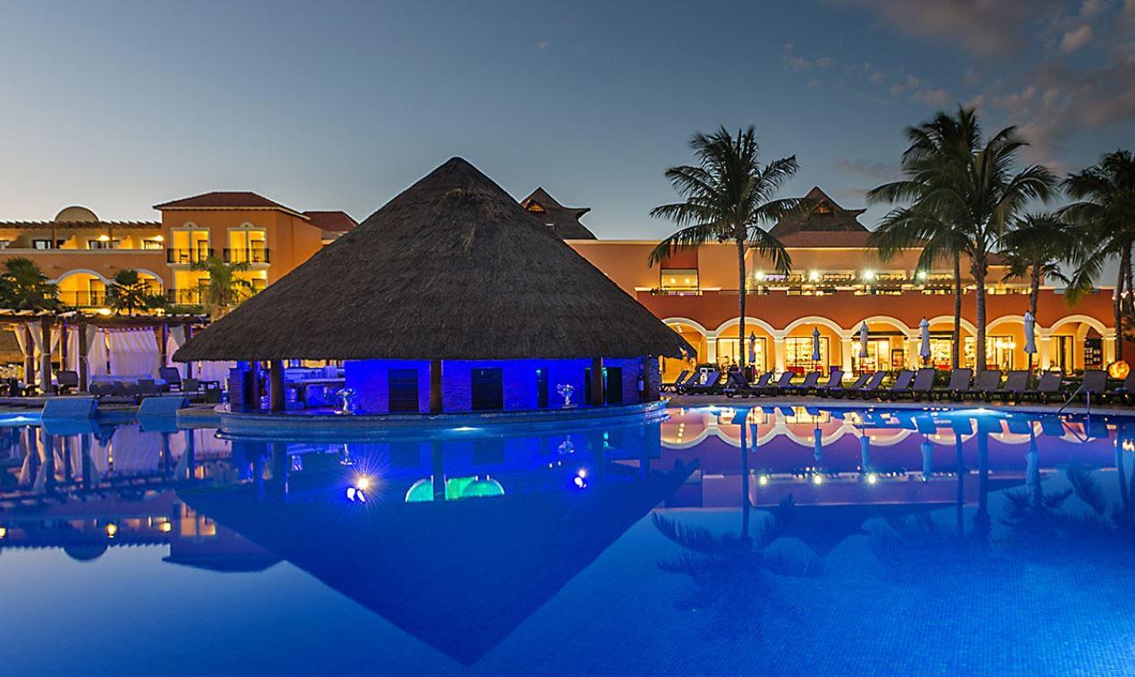 Hotel Ocean Turquesa Riviera Maya Bar Piscina