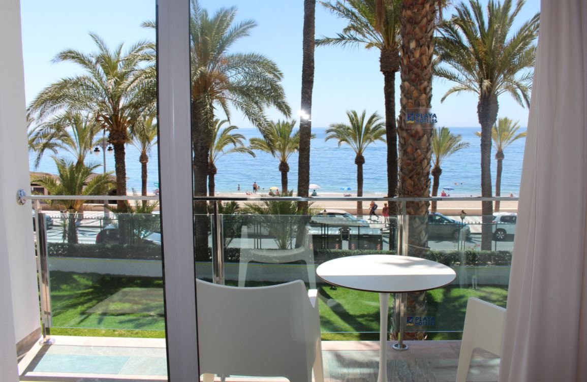 Terraza Habitación Superior Vista Frontal Mar  Hotel Playadulce