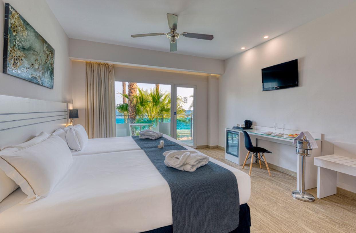 Habitación Superior Vista Frontal al Mar Hotel Playadulce Almeria