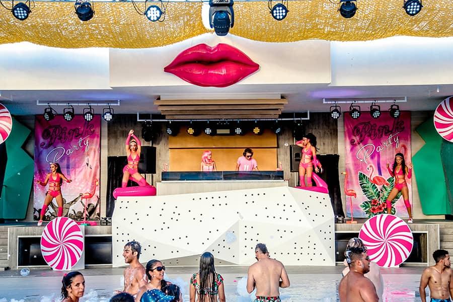 Pool Party Show Punta Cana Riu Bambu B2BViajes