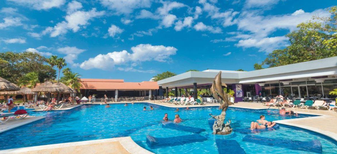 Hotel Riu Lupita Piscinas
