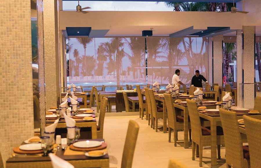 Restaurantes Tematicos en Hotel Riu Playacar Riviera Maya