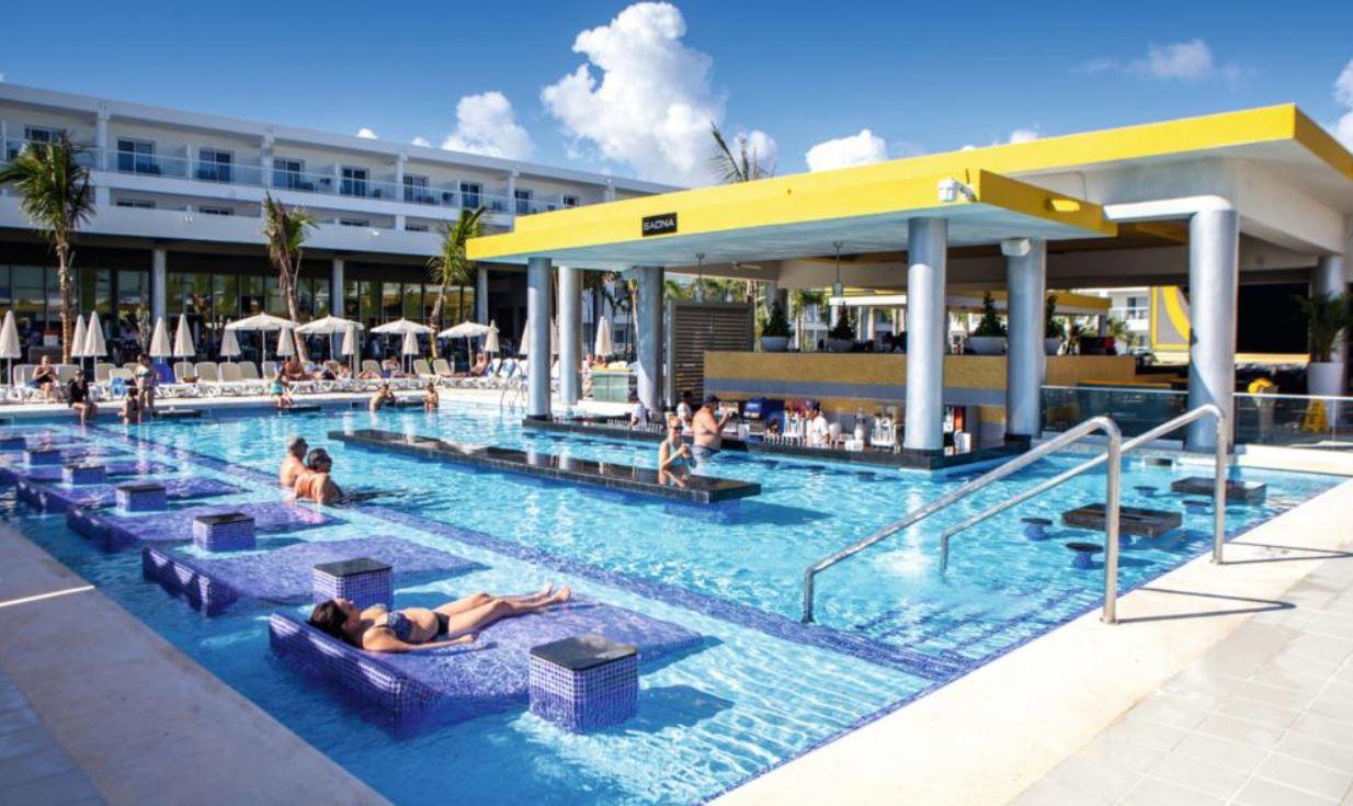 Hotel Riu Republica recomendado en viajes para solteros a Punta Cana