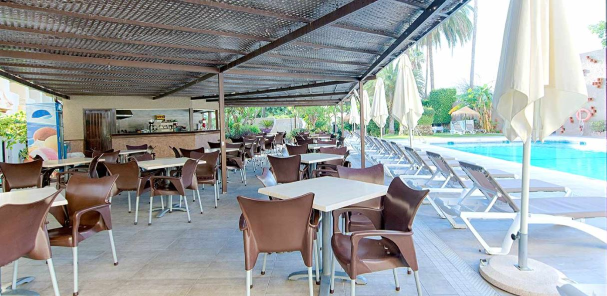 Hotel Royal Alandalus terraza piscina