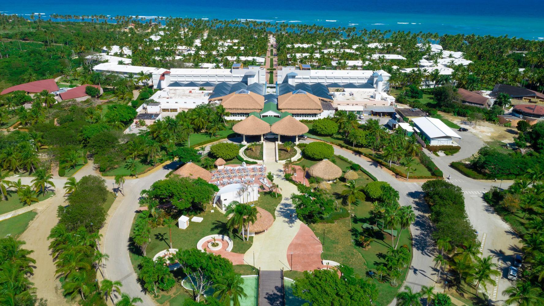 instalaciones_del_hotel_grand_sirenis_punta_cana.jpg?profile=RESIZE_710x