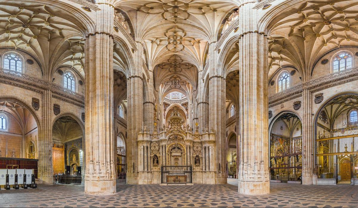 Salamanca Catedral Nueva Interior b2b Viajes