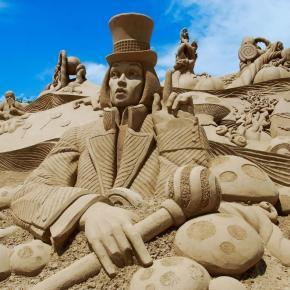 escultura_arena_algarve_vacaciones_singles_con_ninos.jpg?itok=kbHbc_2o