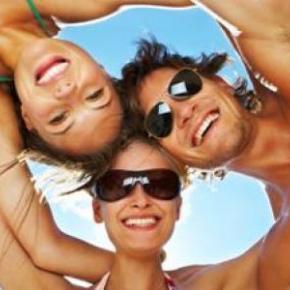 playa_y_fiesta_en_alicante_vacaciones_singles_b2bviajes_0.jpg?itok=keLxV5kv