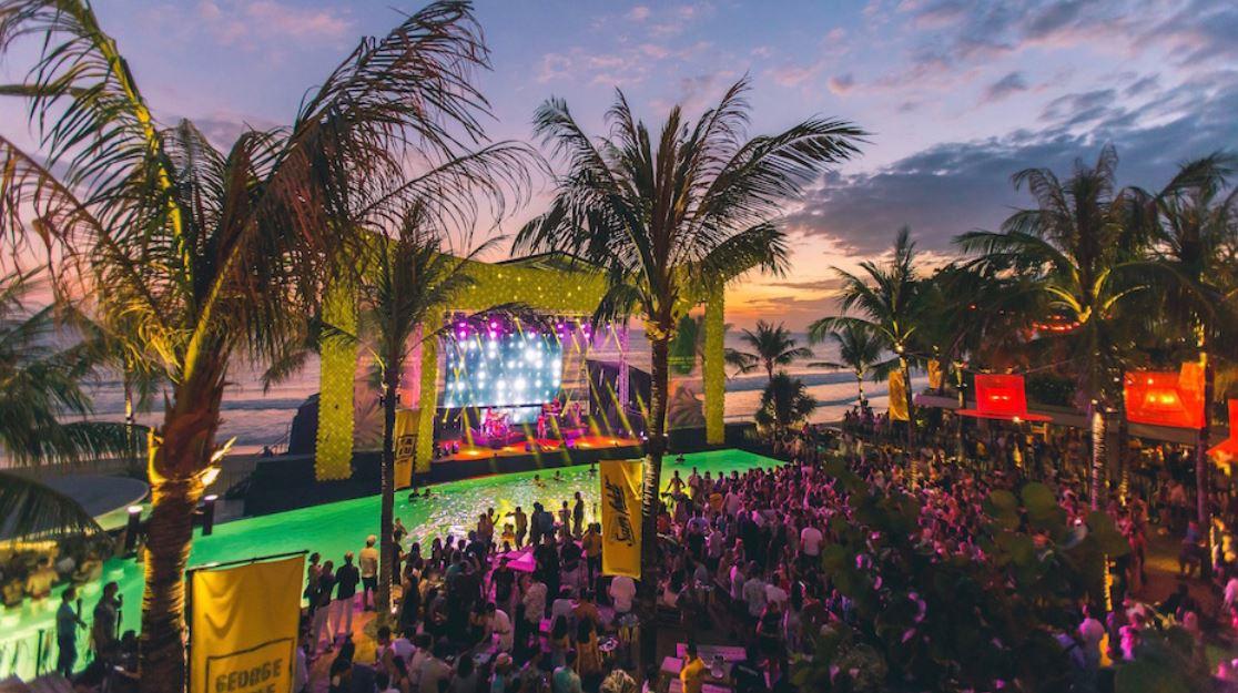 Vida nocturna en Bali Vacaciones Singles B2BViajes